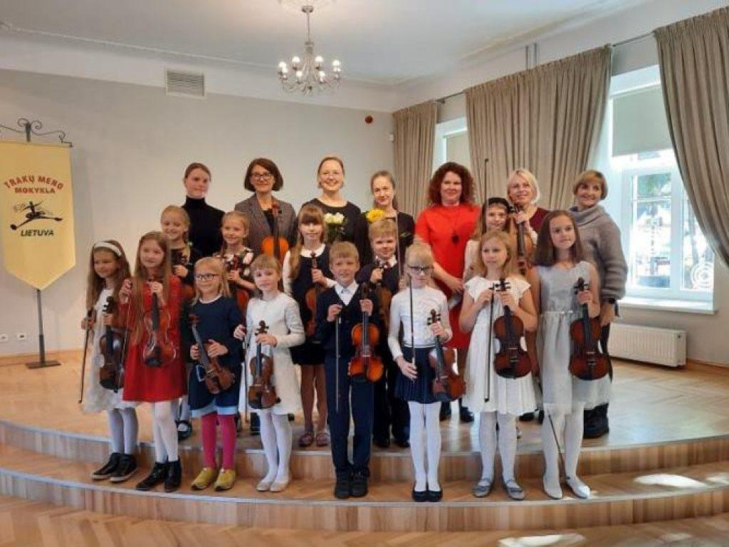 """Jaunųjų smuikininkų koncertas """"Smuikelės giesmė"""""""